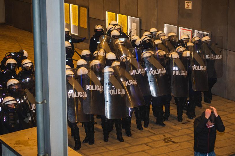 Akcja policji na stacji metra Stadion /Karol Makurat/ /Reporter