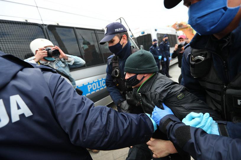 Akcja policji podczas strajku przedsiębiorców /Rafal Gaglewski/REPORTER  /Reporter