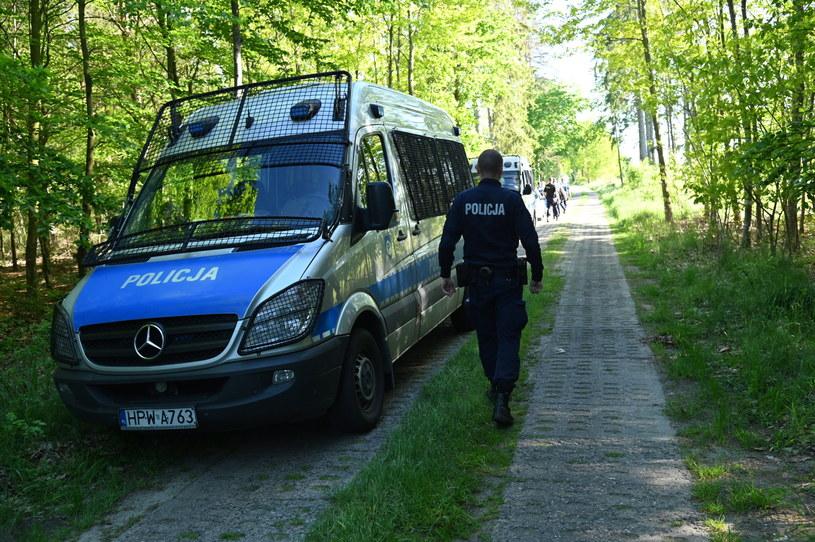 Akcja policji w miejscowości Sulikowo / Marcin Bielecki    /PAP