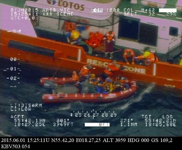 Akcja ratunkowa na Bałtyku /Swedish Coast Guard KBV 503 /PAP/EPA