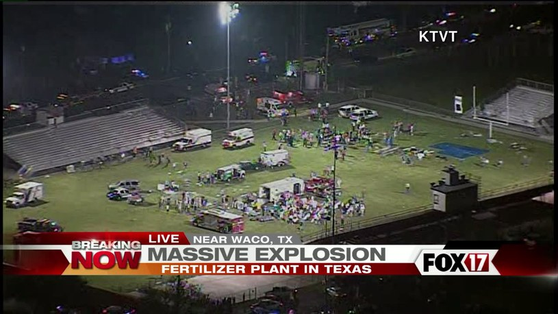 Akcja ratunkowa na stadionie, fot. fox17online.com /