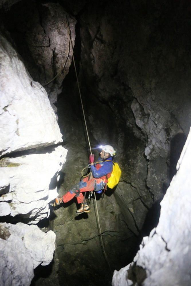 Akcja ratunkowa w jaskini Riesending /BARVARIAN RED CROSS /PAP/EPA