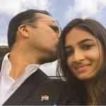 """Akcja """"Selfie z córką"""" robi furorę w Indiach"""