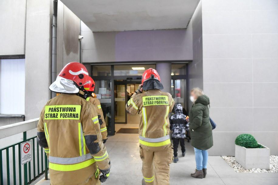 Akcja strażaków w placówce w Łodzi /Grzegorz Michałowski   /PAP