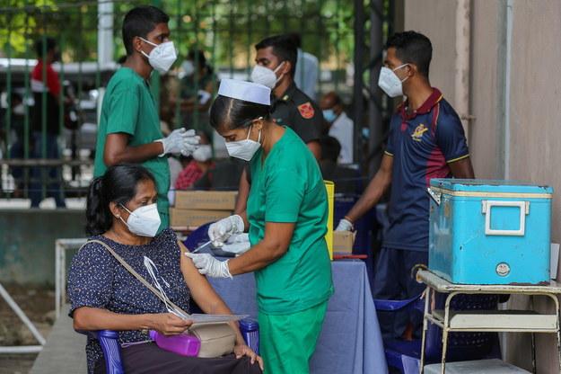 Akcja szczepień na Sri Lance /CHAMILA KARUNARATHNE /PAP/EPA