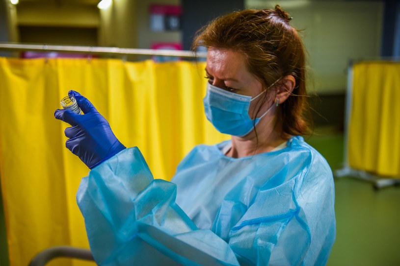 Akcja szczepień przeciw COVID-19 w Polsce / Omar Marques /Getty Images