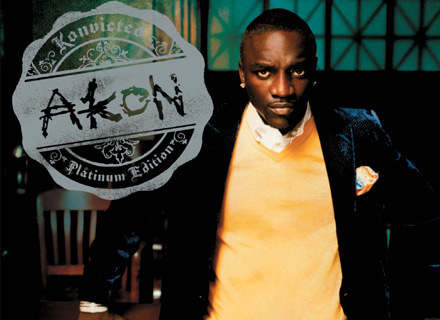 "Akon na okładce płyty ""Konvicted - Platinum Edition"" /"