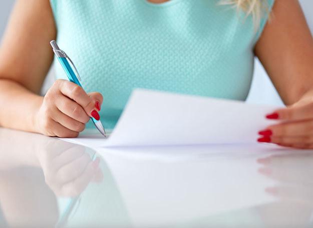 Akt notarialny ma tę samą moc co postanowienie o nabyciu spadku w sądzie /123RF/PICSEL