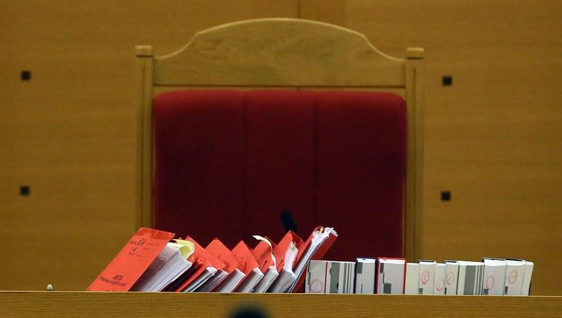 Akta sprawy w TK; zdj. ilustracyjne /Tomasz Gzell /PAP