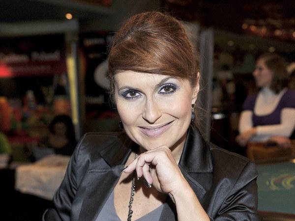 Aktorka jest zwolenniczką opinii, że kobiety nie może spotkać nic piękniejszego niż zostanie mamą  /Jacek Kurnikowski /AKPA