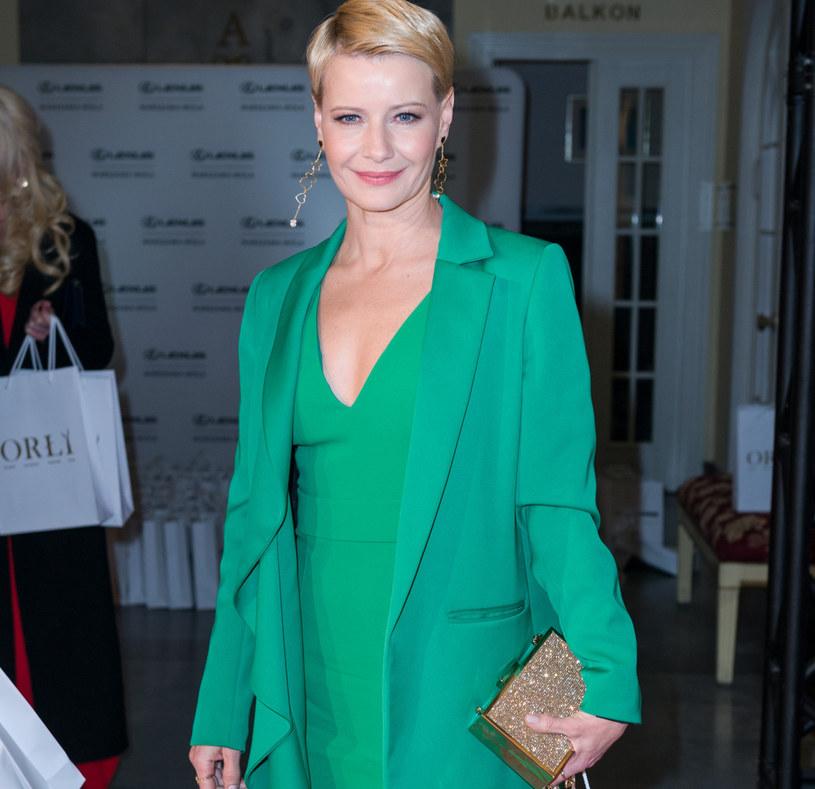 Aktorka Małgorzata Kożuchowska w modnej zieleni /Artur Zawadzki/REPORTER /East News