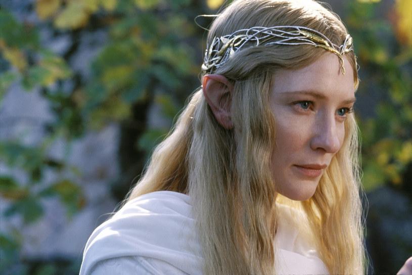 """Aktorka na planie filmu """"Władca pierścieni"""" w 2001 roku /New Line Cinema /East News"""