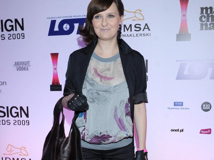Aktorka podczas Machina Music Awards. Październik 2009. Skoro zna się na rzeczy, po co to chałturzenie? /Andras Szilagyi /MWMedia