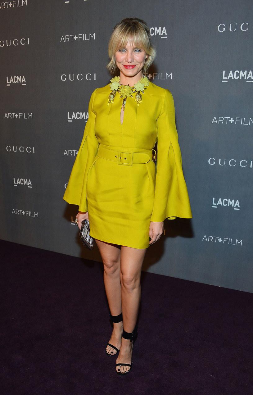 Aktorka z dumą i radością prezentuje swoje smukłe i zdrowe ciało /Getty Images/Flash Press Media