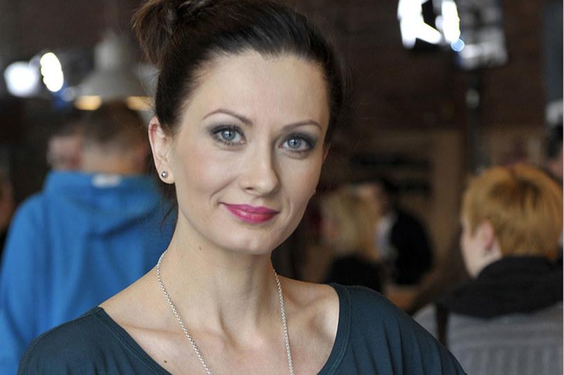 Aktorka za niecałe 4 miesiące po raz pierwszy zostanie mamą /Gałązka /AKPA