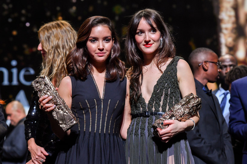 Aktorki Lyna Khoudri Anais Demoustier podczas gali wręczenia Cezarów /Stephane Cardinale - Corbis /Getty Images