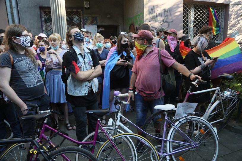 """Aktywiści blokują siedzibę """"Stop Bzdurom"""" /Jakub Kamiński   /East News"""