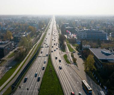 Aktywiści żądają, Warszawa zwęża jedną z najważniejszych arterii