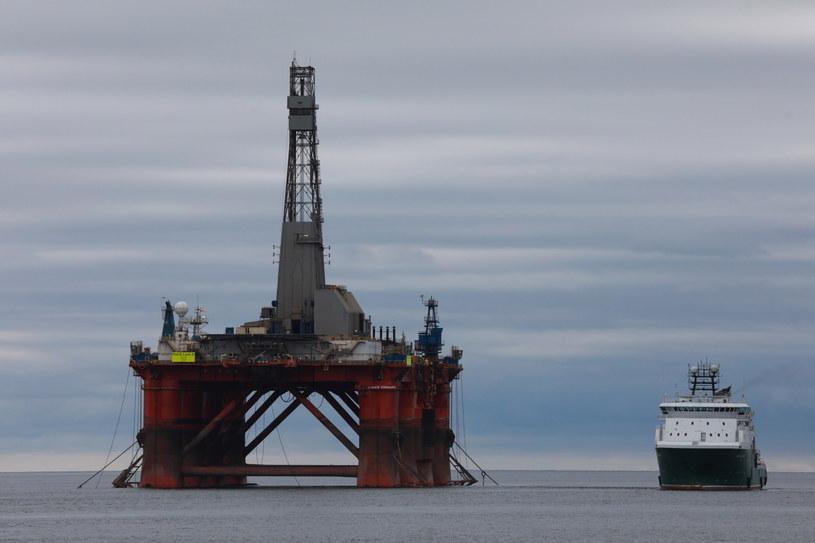 Aktywiści zatrzymali platformę wiertniczą BP /EPA/GREENPEACE UK /PAP/EPA