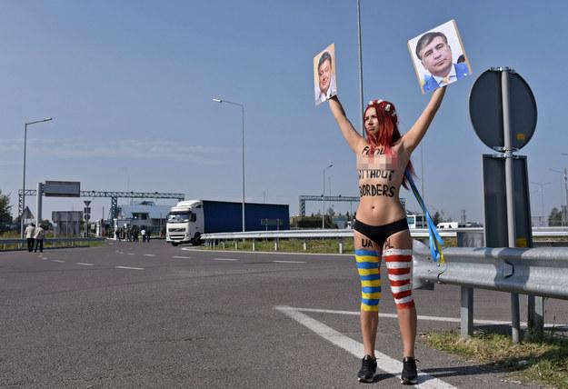 Aktywistka została zatrzymana po bardzo krótkim pościgu /MYKOLA TYS /PAP/EPA