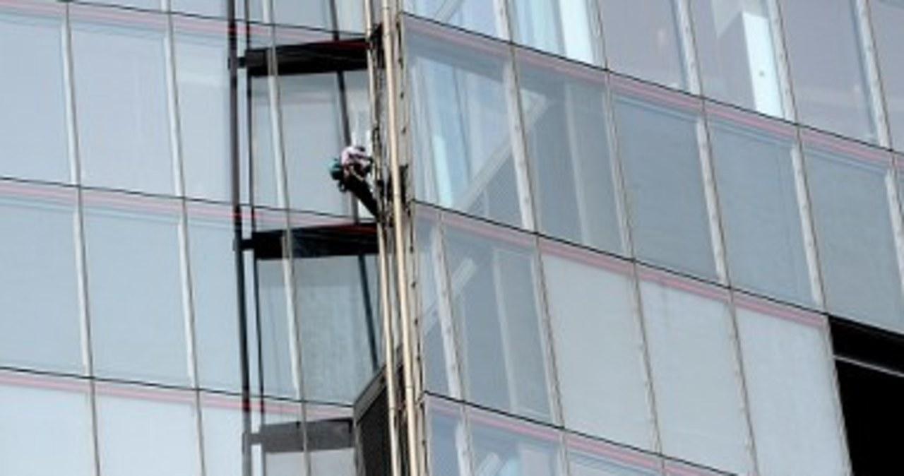 Aktywistki wspięły się na londyński wieżowiec