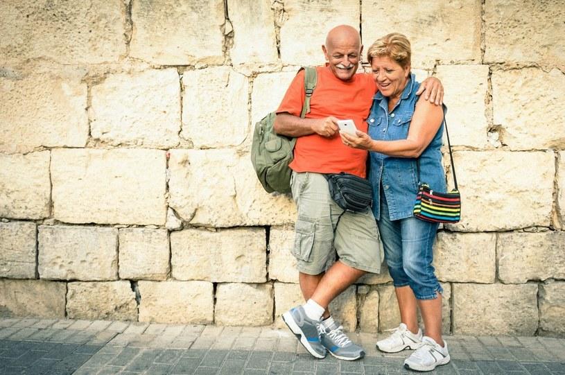 Aktywni seniorzy czują się dużo lepiej /123RF/PICSEL