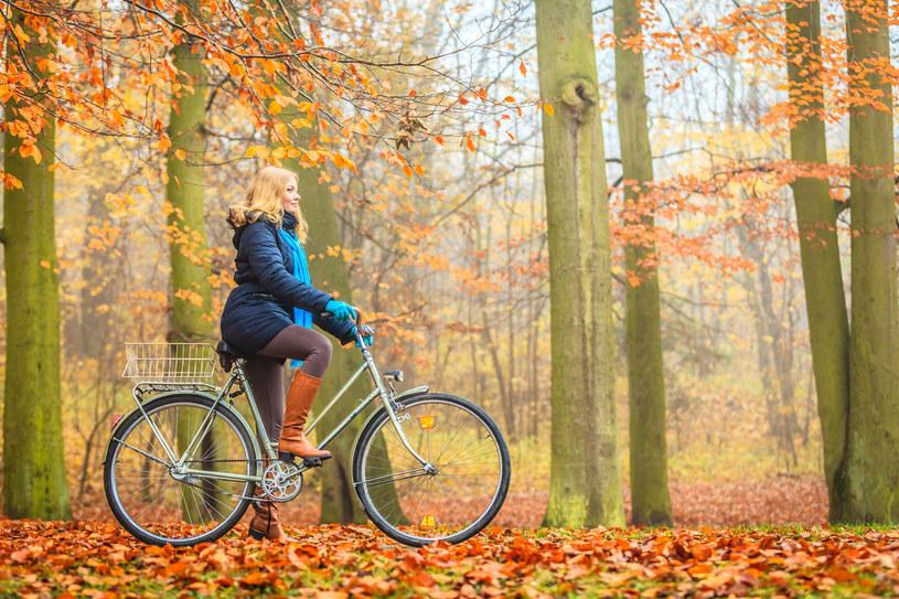 Aktywność fizyczna jesienią (niekoniecznie na zewnątrz) to klucz do dobrego nastroju /123RF/PICSEL