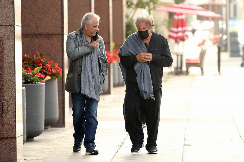 Al Pacino na spacerze ze swoim menadżerem /SplashNews.com /East News