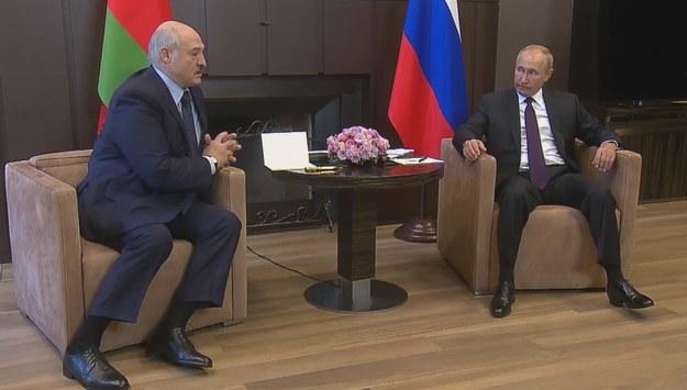 Alaksandr Łukaszenka i Władimir Putin /KREMLIN / HANDOUT /PAP/EPA