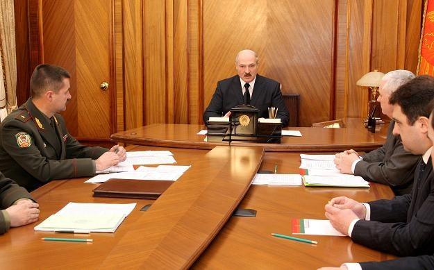 Alaksandr Łukaszenka podczas narady /AFP