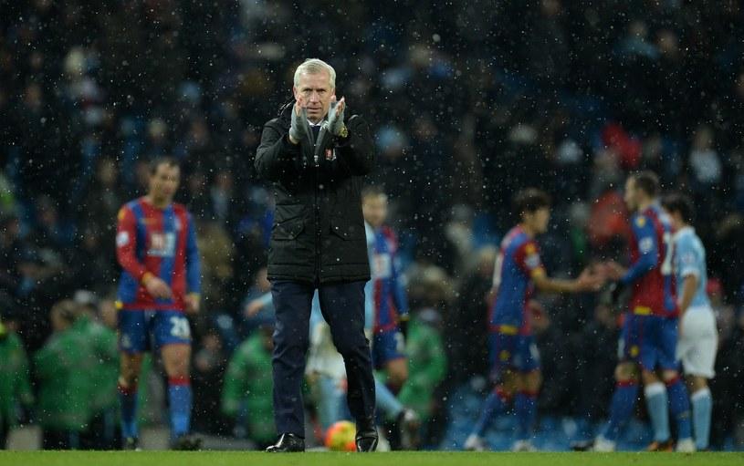 Alan Pardew wróci na ławkę trenerską w Premier League? /AFP