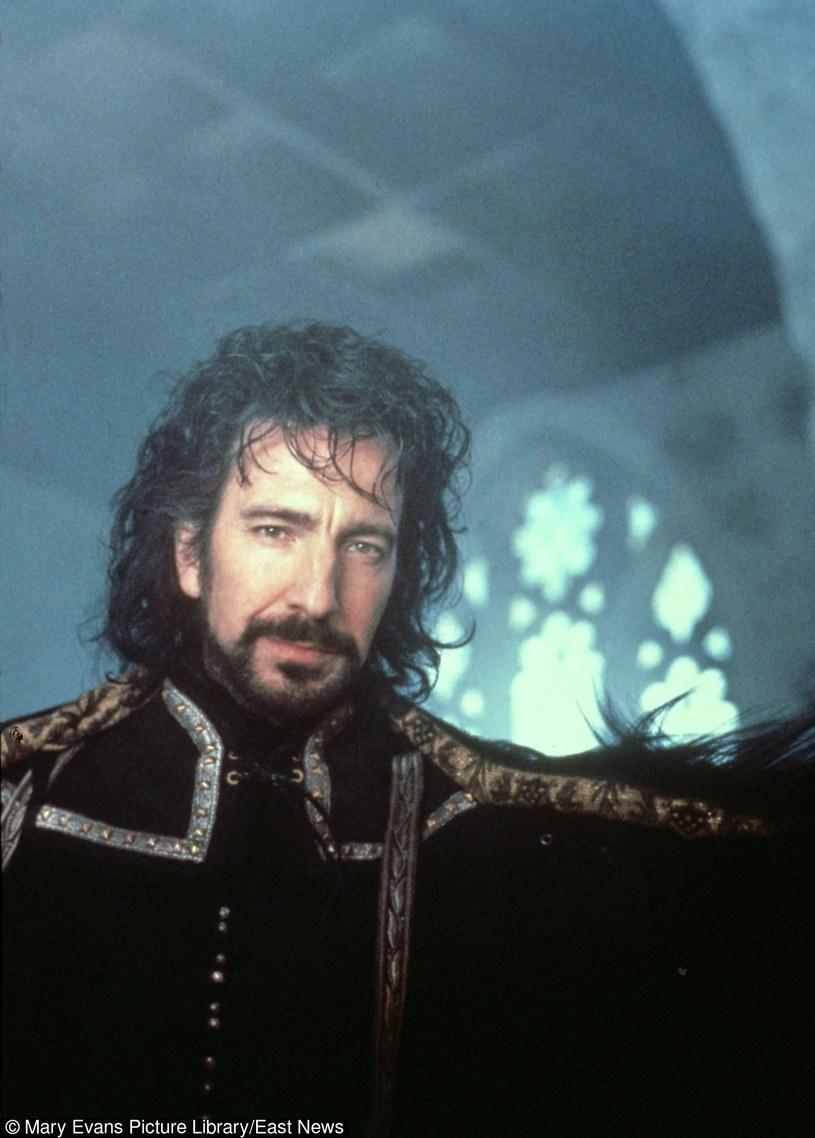 """Alan Rickman w filmie """"Robin Hood: książę złodziei"""" /Mary Evans Picture Library /East News"""