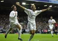 Alan Smith zdobywca bramki dla Leeds United w meczu z TSV 1860 Monachium