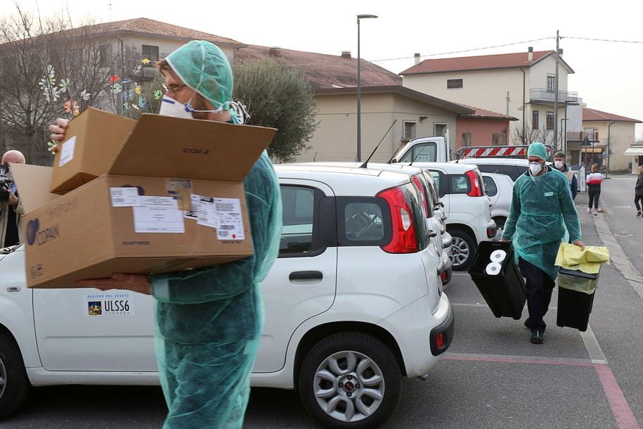 Alarm we Włoszech wybuchł po tym, gdy na północy w ciągu kilku dni stwierdzono ponad 150 przypadków zachorowań /NICOLA FOSSELLA /PAP/EPA