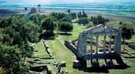 Albania: ruiny z czasów rzymskich /Encyklopedia Internautica