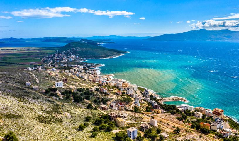 Albańska riwiera śmiało może konkurować z najpiękniejszymi plażami Europy /123RF/PICSEL