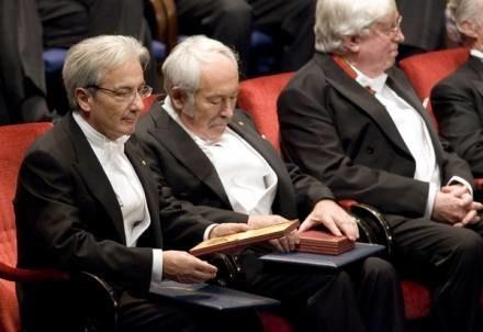 Albert Fert oraz Peter Gruenberg - ubiegłoroczni laureaci /AFP