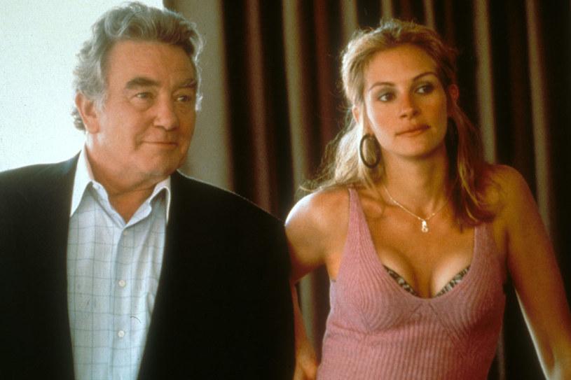 """Albert Finney i Julia Roberts w filmie """"Brockovich"""" (2000); ostatnia z pięciu nominacji Finneya /materiały dystrybutora"""