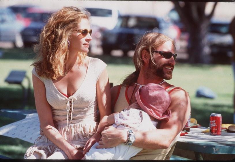 "Albert Finney z Julią Roberts w filmie ""Erin Brockovich"" /Getty Images"