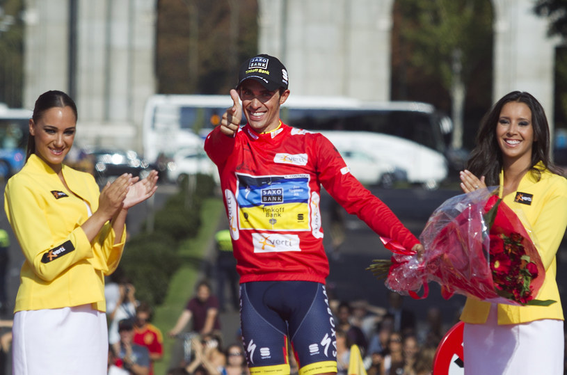 Alberto Contador na najwyższym stopniu podium /AFP