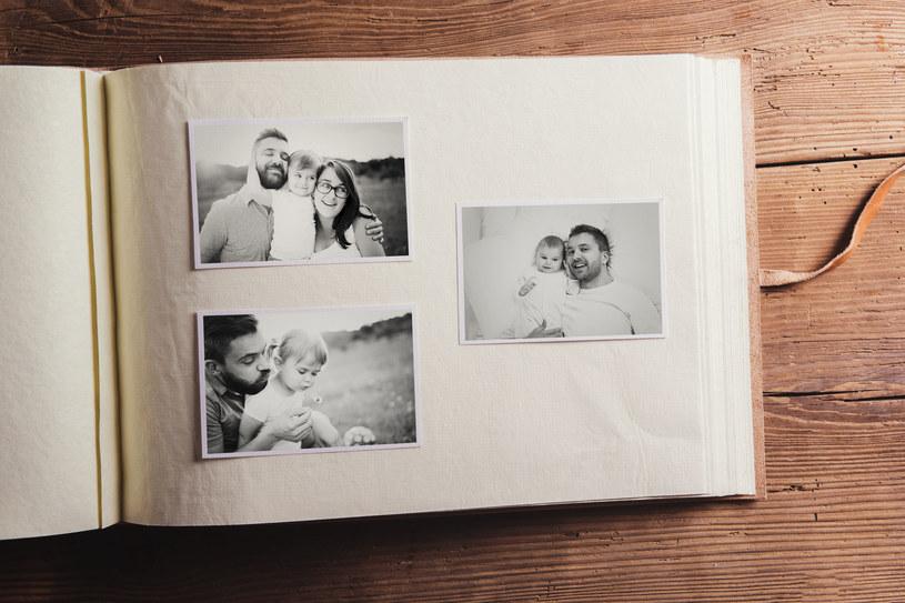 Album na zdjęcia przypominać będzie najważniejsze chwile /123RF/PICSEL