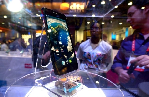 Alcatel szykuje akcesoria dla smartfona Idol X+ /AFP