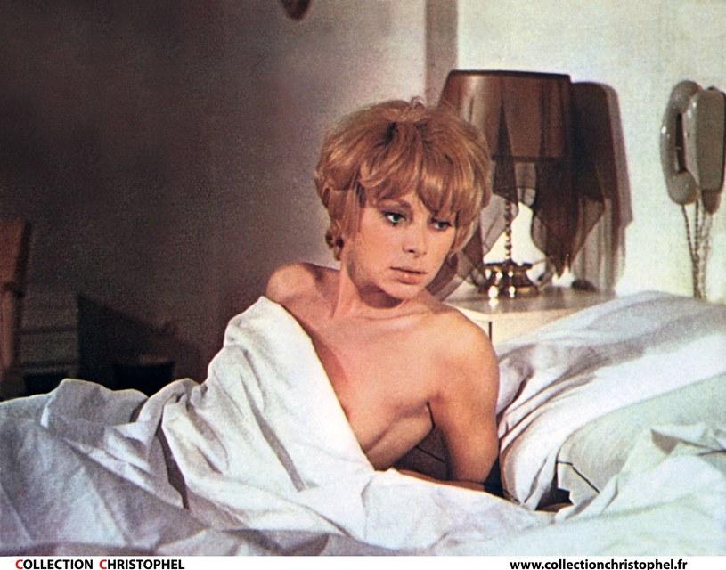 """Ale piękność! Mireille Darc w scenie z filmu """"Jeff"""" z 1969 roku /Collection Christophel /East News"""