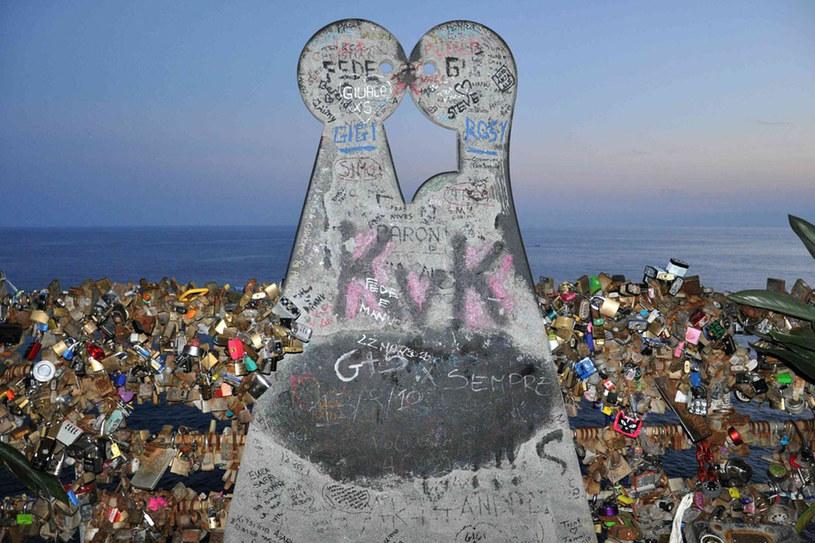 Aleja Zakochanychw Maroli. Na Ścieżce Miłości spotykają się pary z Włoch i nie tylko /Tomasz Cholas /Reporter