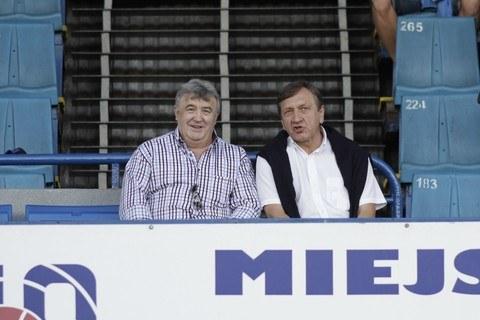 Aleksander Kurczyk (z prawej) zrezygnował z pełnienia funkcji przewodniczącego rady nadzorczej Ruchu Chorzów /East News /