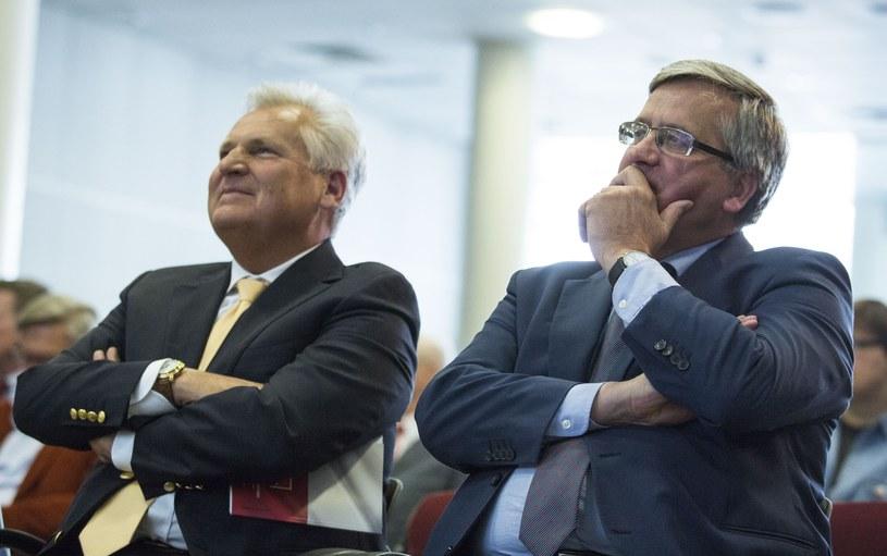 Aleksander Kwaśniewski i Bronisław Komorowski /Andrzej Hulimka  /Reporter
