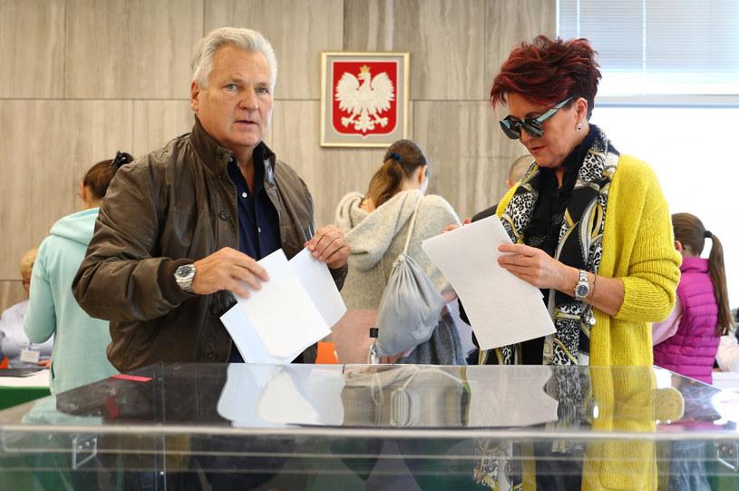 Aleksander Kwaśniewski z żoną Jolantą /Rafał Gaglewski /Reporter