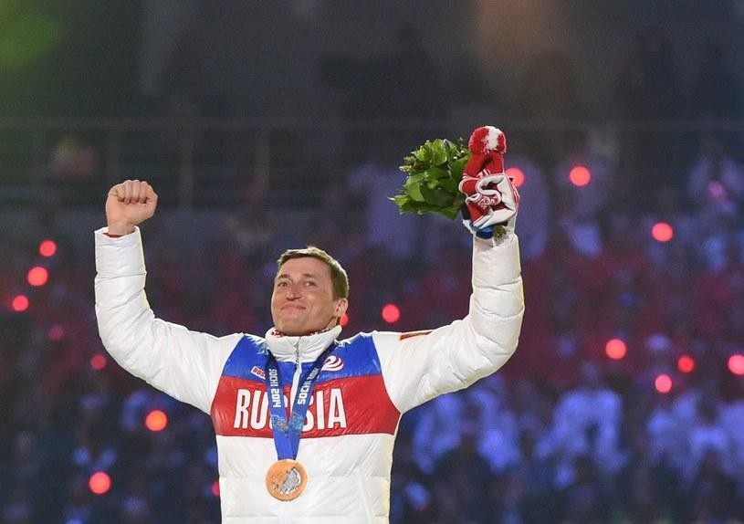 Aleksander Legkow ze złotym medalem olimpijskim /AFP