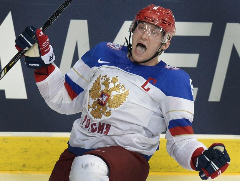 Aleksander Owieczkin strzelił Finom jedynego gola spośród pięciu, w okresie gry w równowadze. /AFP