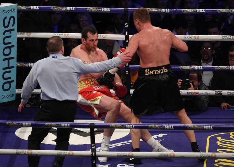 Aleksander Powietkin znokautował Davida Price w piątej rundzie /AFP
